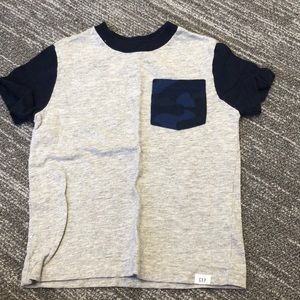 Boys GAP 2T T-shirt. Perfect condition!